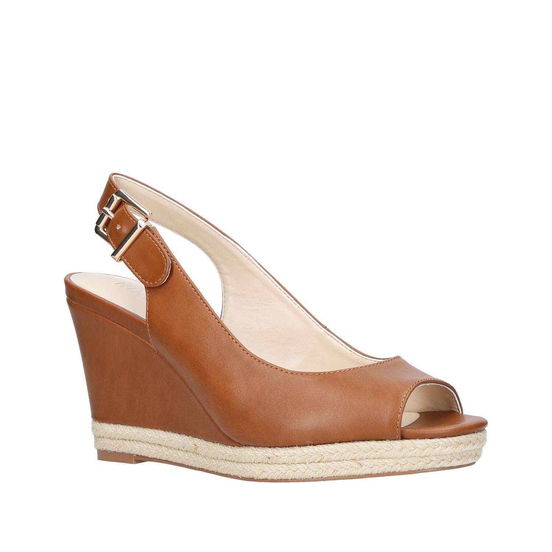 Dionne Wedge Sandals