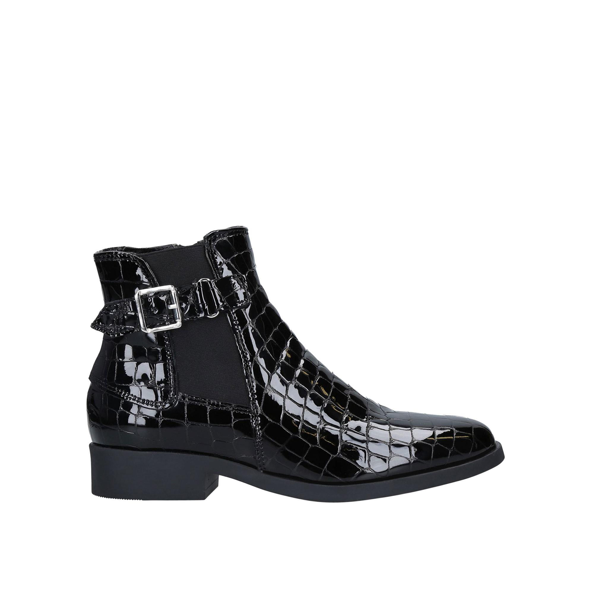 Rich Boots