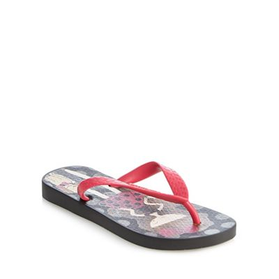 c676adc713e0 Ipanema Girls  black  girl and dog  print flip flops