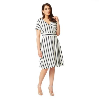 Studio 8 Sizes 12-26 Navy and White verona dress