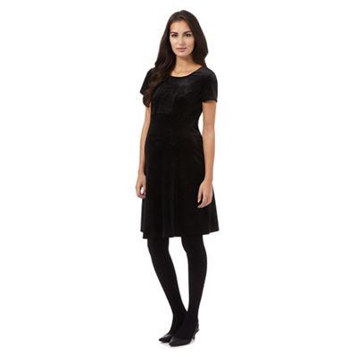 Red Herring Maternity Black knee length velvet dress f1ecdb341