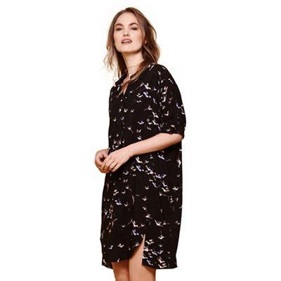 Black bird printed collar dress