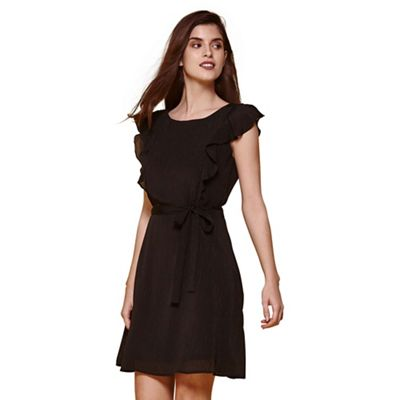 Black line dress with frill sleeve