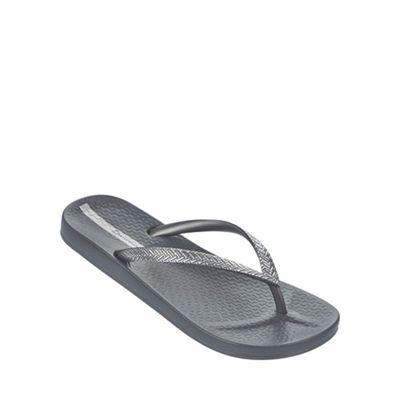 'Mesh' grey flip flop