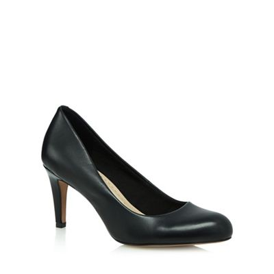 Black 'Carlita Cove' high court shoes