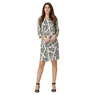 Black geometric print petite dress