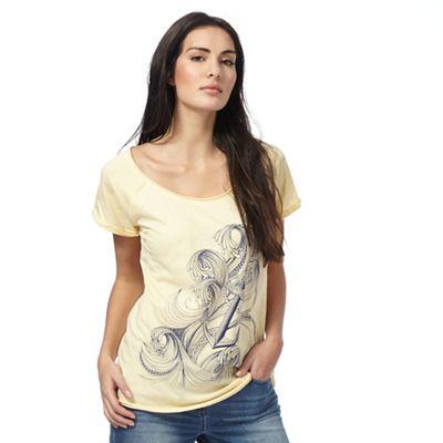 Beige graphic print t-shirt