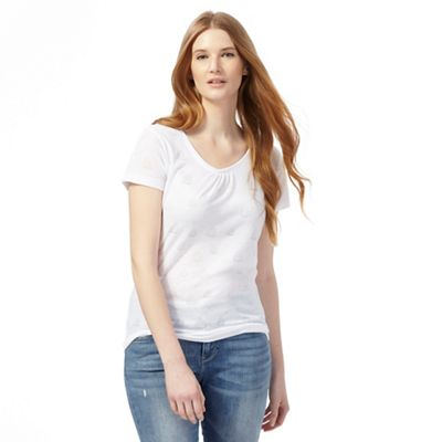 White burnout boat t-shirt
