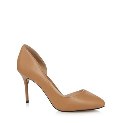 Beige leather court shoes