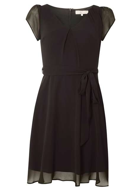 **Billie and Blossom Petite Black Chiffon Dress