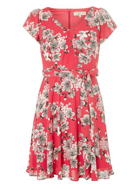**Billie & Blossom Petite Pink Floral Dress