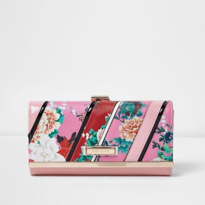 05311145b7 Pink and red floral print purse