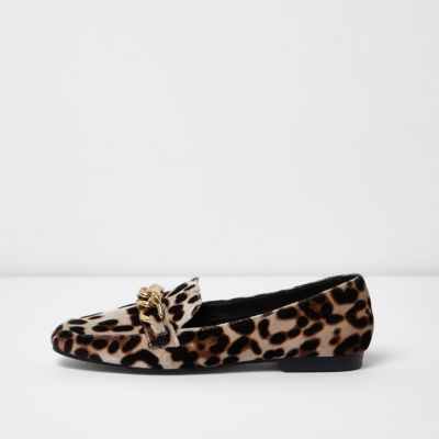 Beige leopard print gold tone chain loafers