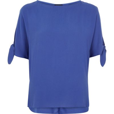 Blue tied sleeves t-shirt