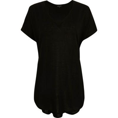Black knitted V-neck circle t-shirt